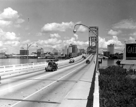 MainStreetbridge-1946.jpg