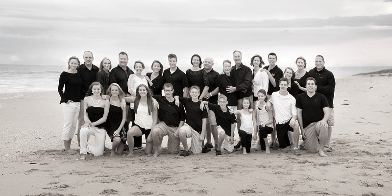 FAMILY_EAC3194-4BW-16x8.jpg