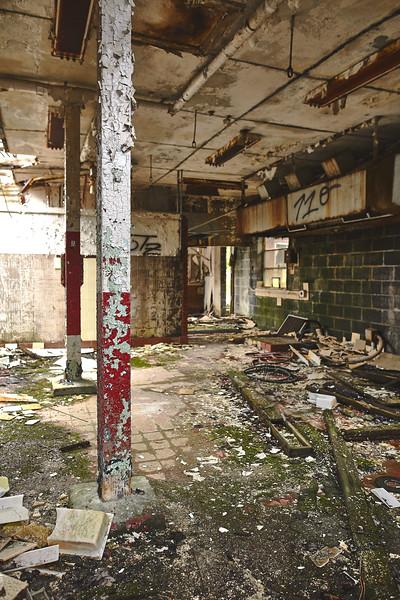 Abandoned-Spaces-5O0A4059.jpg