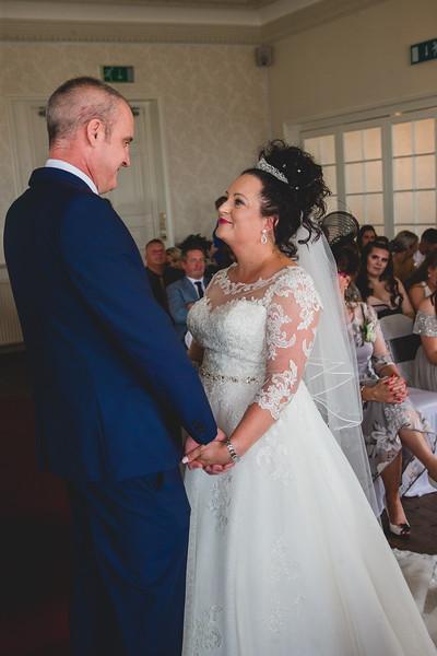 Mr & Mrs Wallington-302.jpg