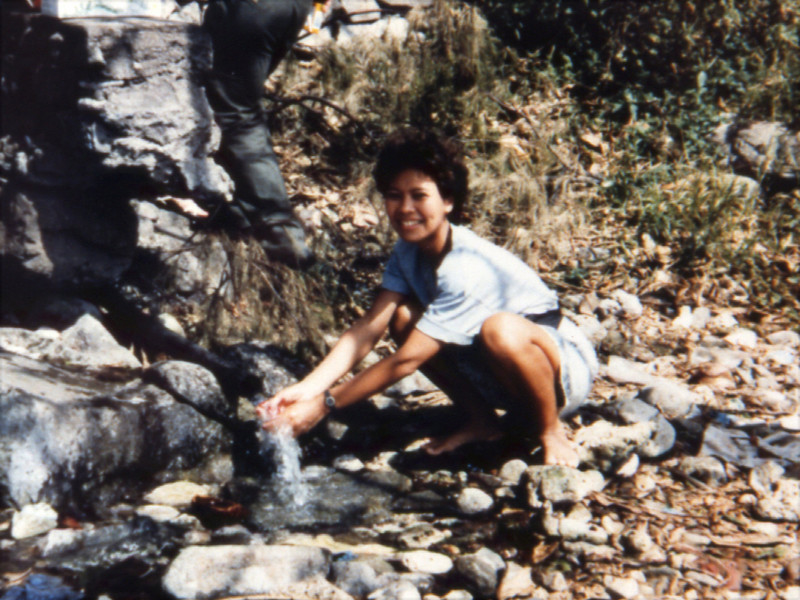 batac'91.emmi washing hands.jpg