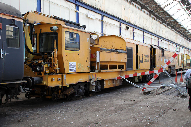 YZA DR80203 Eastleigh Works 20/10/11