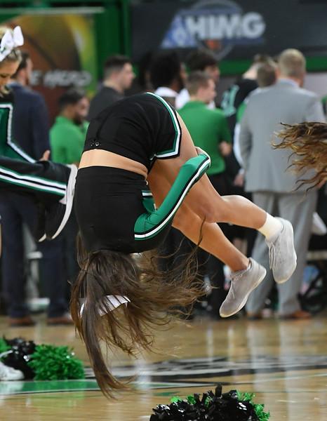 cheerleaders2304.jpg