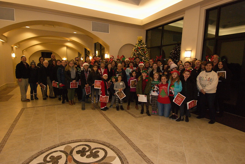 2018-12-19-Christmas-Caroling_010.jpg