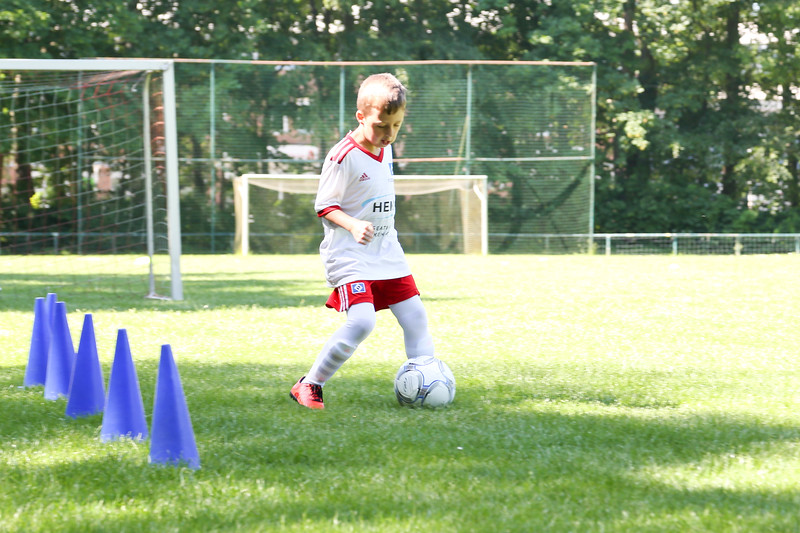 hsv_fussballschule-089_48048029662_o.jpg