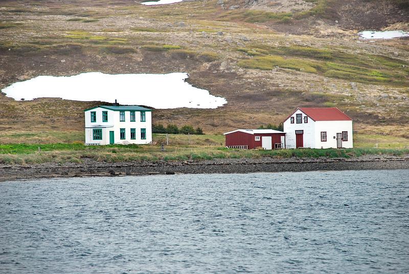 Hesteyri. Læknishúsið og Búðin. 2010.