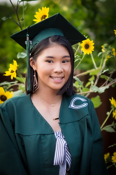 20200521_sarah-friends-connally-graduation_066.jpg