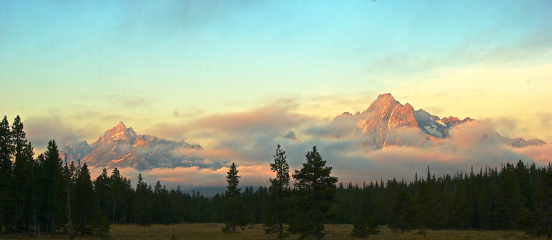 Sunrise on Tetons