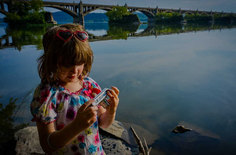 Zoe - Taking pictures of Columbia Bridge(p).jpg