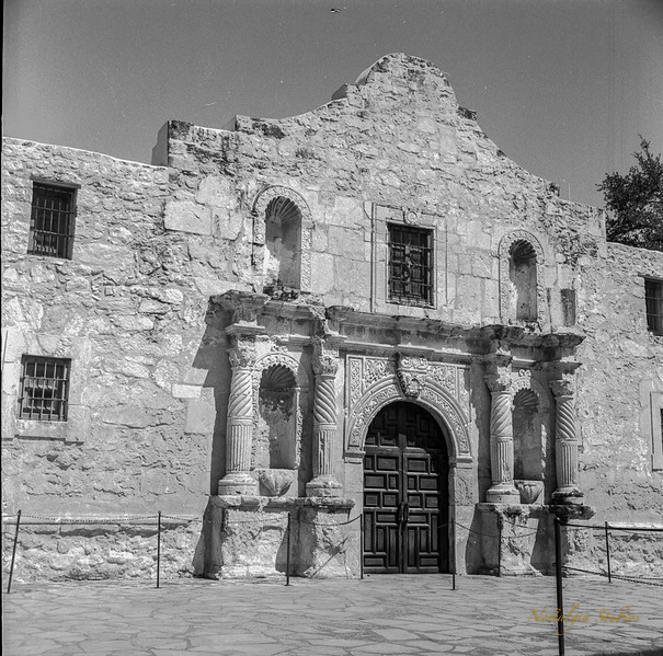 San Antonio with a Yashica-D-6.jpg