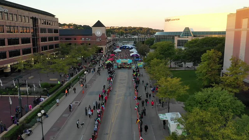 Drone Video of QC Marathon Start