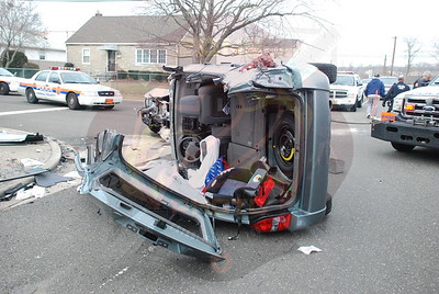 South Farmingdale F.D. MVA w/ Overturn and Entrapment Woodward Pky. and Lambert Ave. 1/29/08