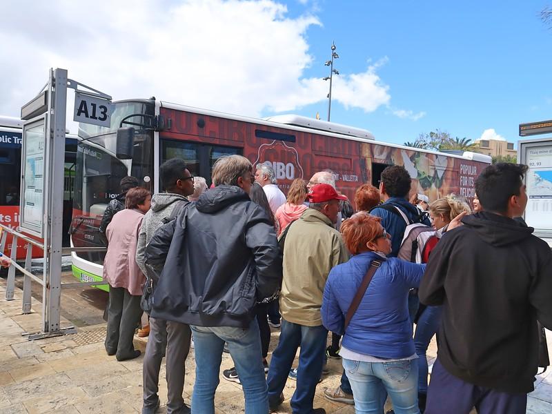 IMG_7453-bus-queue.jpg