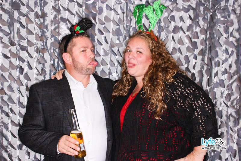 red-hawk-2017-holiday-party-beltsville-maryland-sheraton-photo-booth-0219.jpg