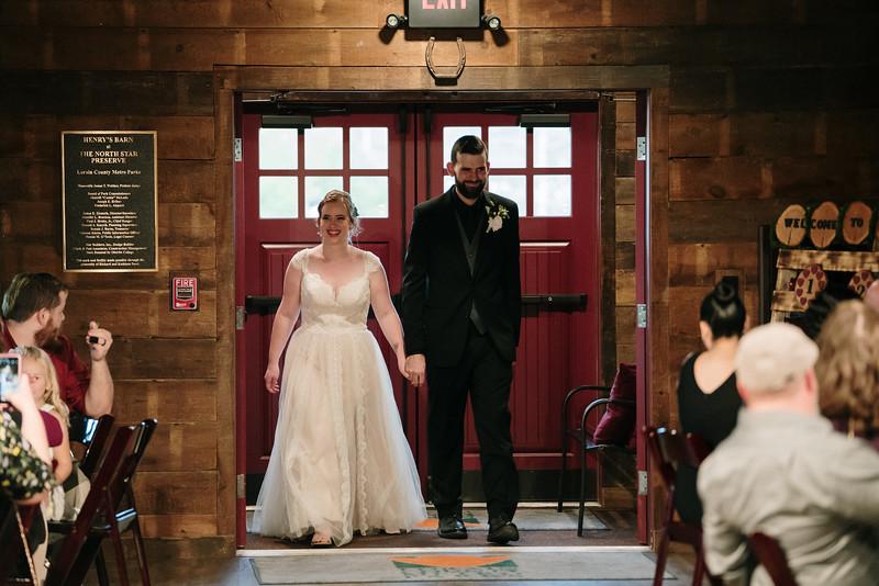 rustic_ohio__fall_barn_wedding-359.jpg