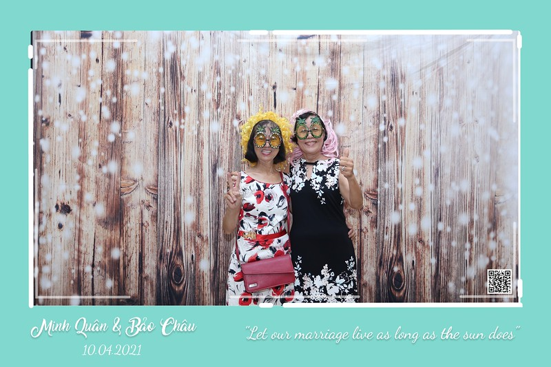 QC-wedding-instant-print-photobooth-Chup-hinh-lay-lien-in-anh-lay-ngay-Tiec-cuoi-WefieBox-Photobooth-Vietnam-cho-thue-photo-booth-099.jpg