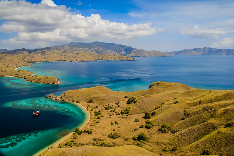 Must visit places in Indonesia Komodo