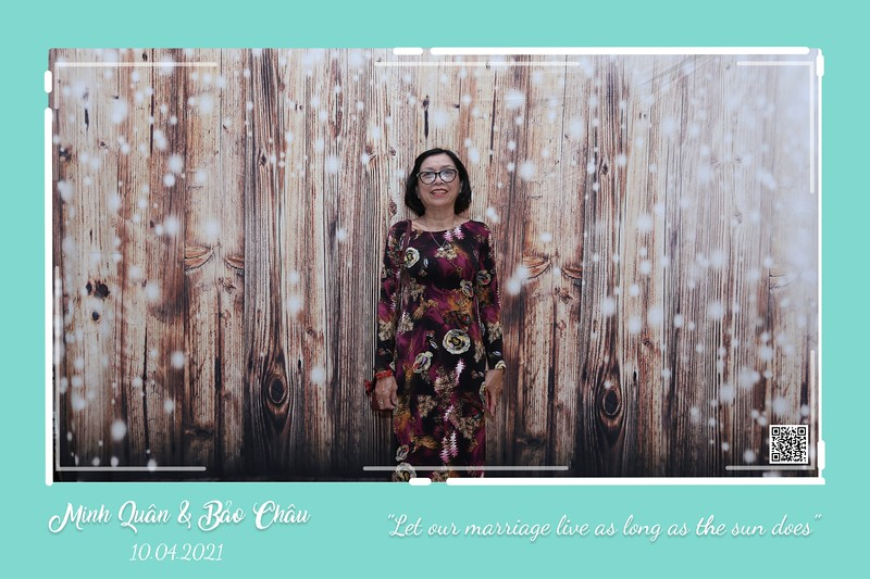 QC-wedding-instant-print-photobooth-Chup-hinh-lay-lien-in-anh-lay-ngay-Tiec-cuoi-WefieBox-Photobooth-Vietnam-cho-thue-photo-booth-062.jpg
