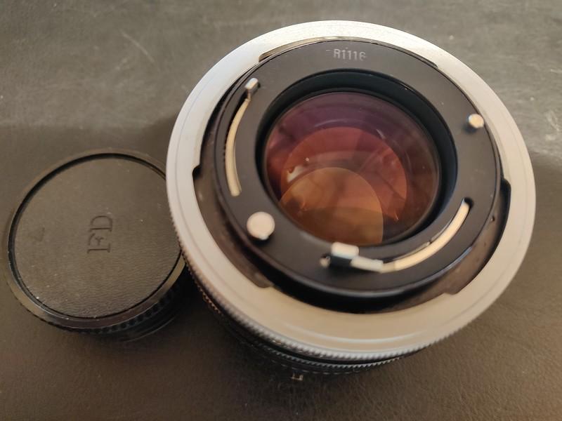 Canon FD 50 mm 1.4 S.S.C. - Serial R1116 & 1213570 008.jpg