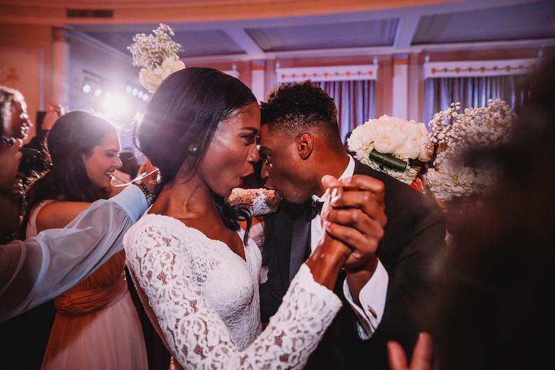 Montreal Wedding Photographer | Wedding Photography + Videography | Ritz Carlton Montreal | Lindsay Muciy Photography Video |2018_789.jpg
