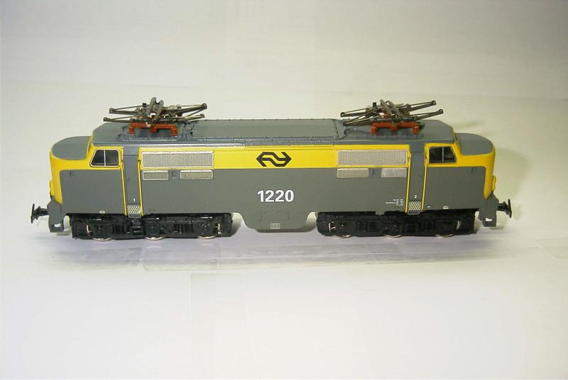 3168x NS 1220 zij.JPG