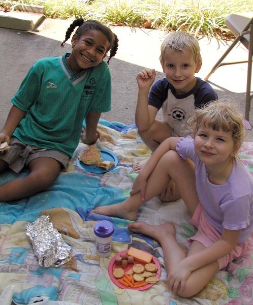 02092720 Kids picnic with neighbor Briana.jpg