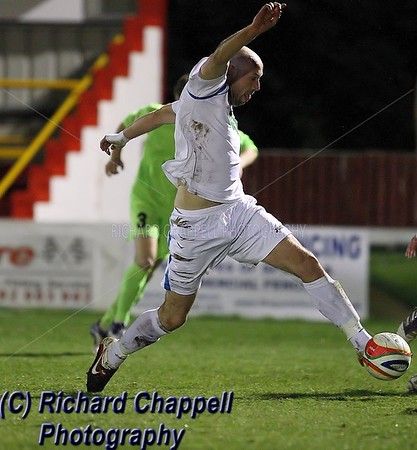 CHIPPENHAM TOWN V HEMEL HEMPSTEAD MATCH PICTURES