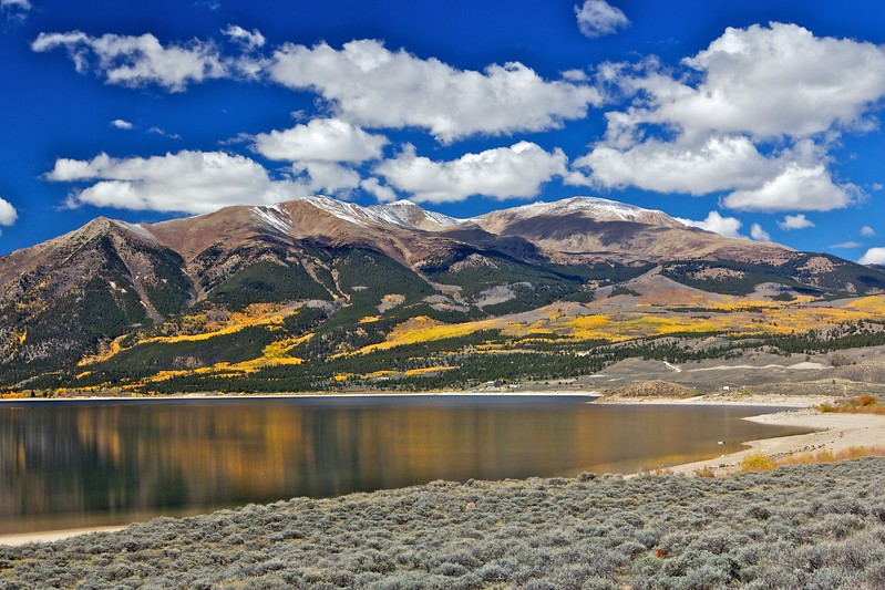 Mount Elbert (14,433 ft) with Twin lakes in the foreground, covered in Aspen trees