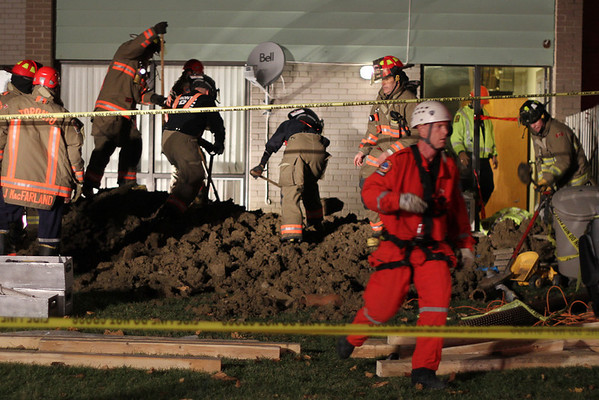 November 24, 2011 - Trench Rescue - 200 Kingsview Blvd.