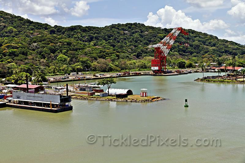 Floating Crane 'Titan' in Gamboa