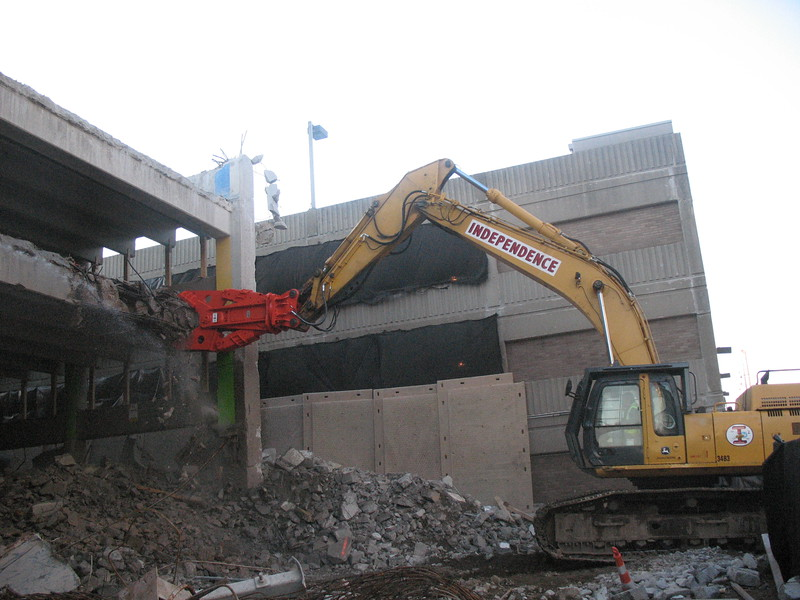 NPK M38G concrete pulverizer on Deere excavator-commercial demolition (7).JPG