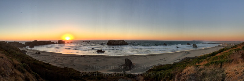 Sunset panorama. What a cool place: great sand, rocks (knockers), sun.