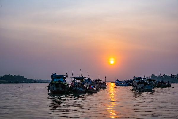 Chợ Nổi Sông Hậu Giang, Châu Đốc