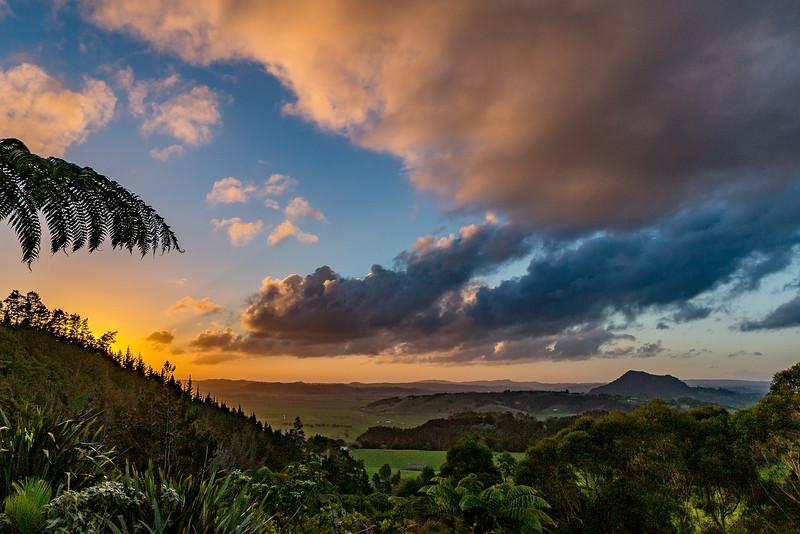 Ein weiterer farbenfroher Sonnenuntergang in Whangarei