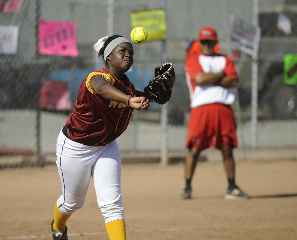 . LONG BEACH, CALIF. USA -- Wilson\'s Unique Whitehurst (31) against Lakewood in Lakewood, Calif., on May 2, 2013. Lakewood defeated Wilson 11-1 in five innings.  Photo by Jeff Gritchen / Los Angeles Newspaper Group