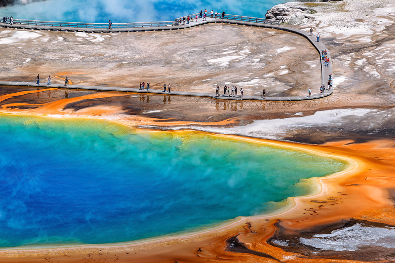 Grand Prismatic Spring, Yellowstone National Park. Wyoming, USA.