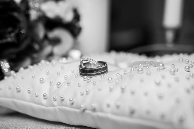 Jennie & EJ Wedding_00183-BW.jpg