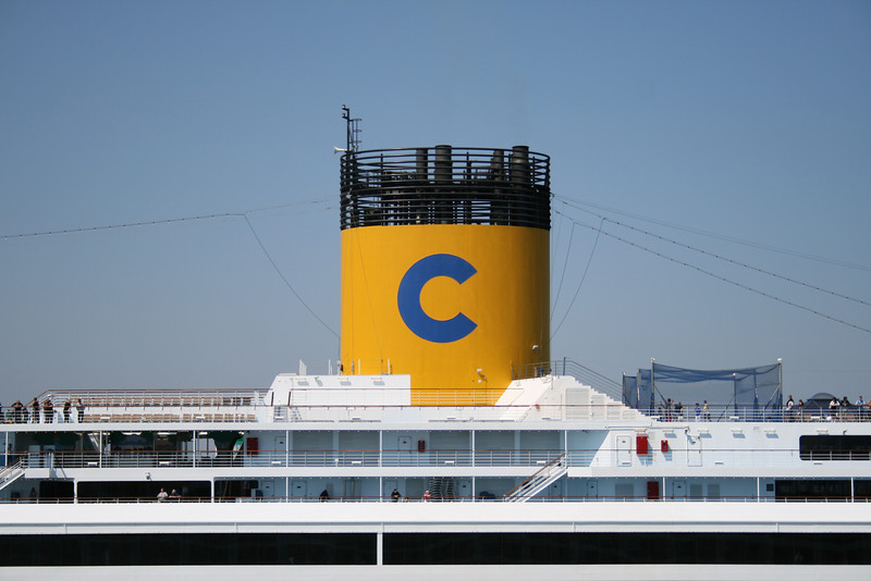 2008 - M/S COSTA SERENA : the funnel.