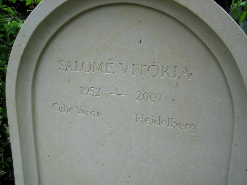 Vertiefte Inschrift