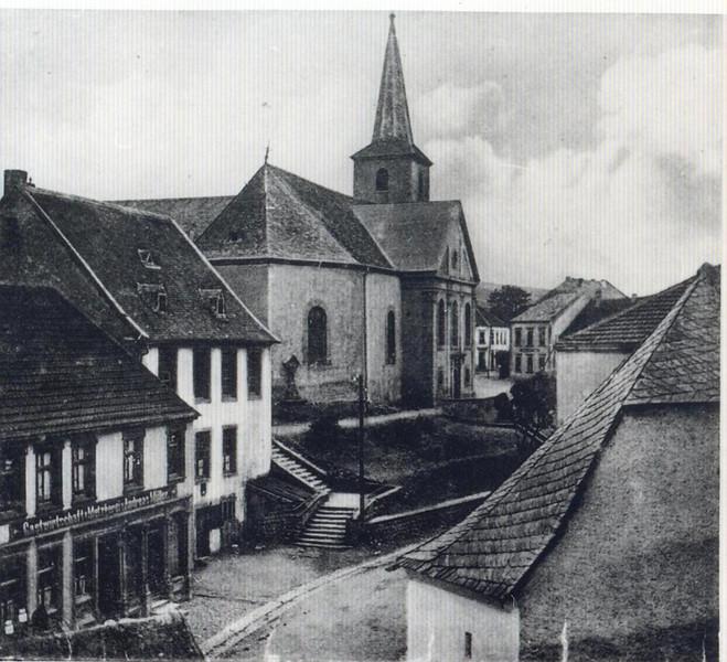 PFarrschule neben Kirche.jpg