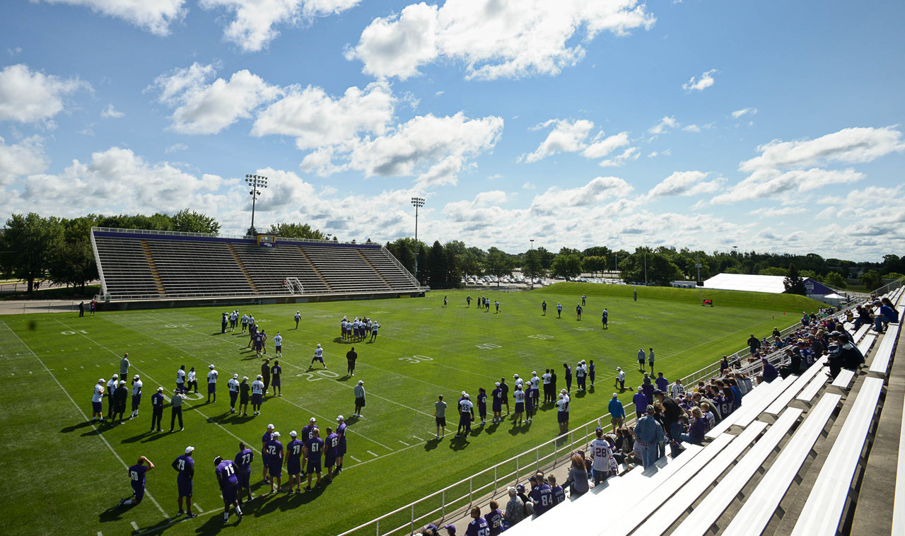 . Players take the field for a morning walk-through at Vikings training camp. (Pioneer Press: Ben Garvin)