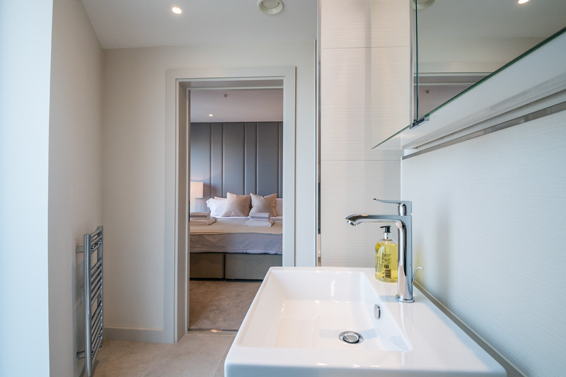 33 -20181020 - pkp - UTDM - 34  Ebery - Bedroom 1 On Suite - 1 - High Res.jpg