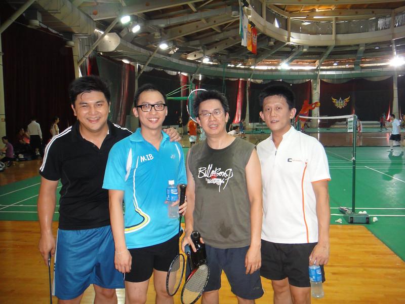[20110820] MIBs vs. LSH @ BJ R&F Club (18).JPG