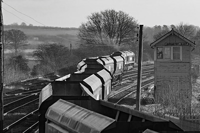 Freightliner 66607 leaves Barnetby sidings with coal empties for Immingham