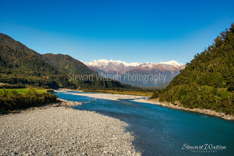 The turquoise waters of the Whataroa river