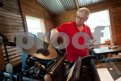 east-texas-duo-keep-art-of-the-printing-press-alive