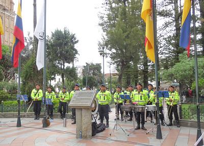 12/2/15 - Cuencanizate at Parque Calderon