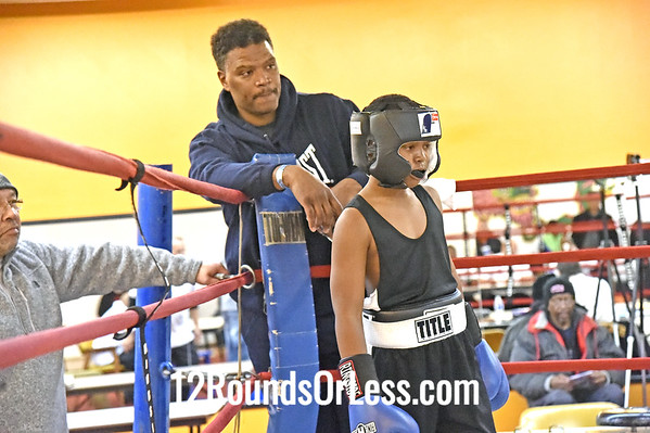 B #5,   Quincy Harris, 65th St. Gym, Cleveland, OH, Blue Gloves -vs- Jordan Sexton, Lima, OH, Red Gloves, 105 Lbs.