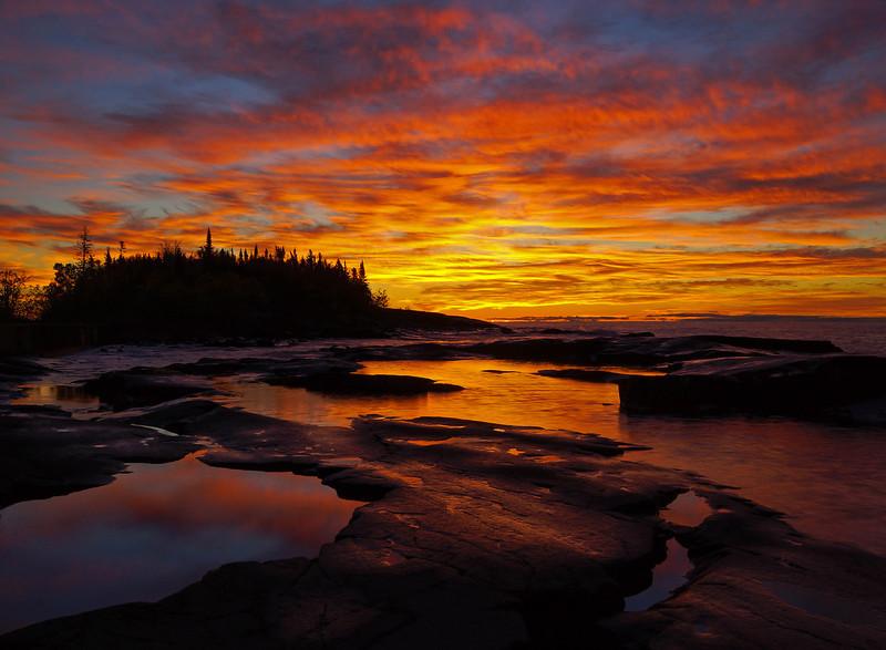 Octoberg Sunrise Artist Point.jpg