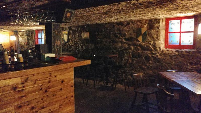 Bars (121).jpg